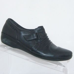 Clarks Everlay Coda black  leather loafers 6.5M